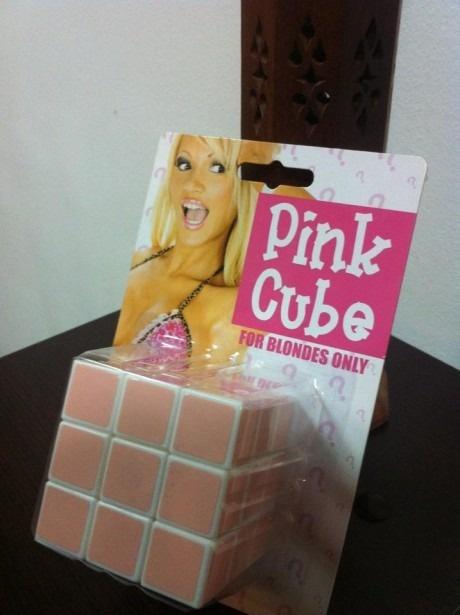 Кубик-рубика для блондинок