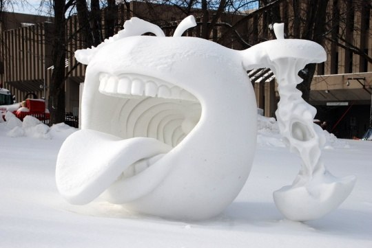 Техничный снеговик