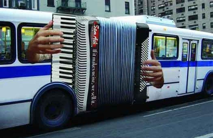 Баян на автобусе