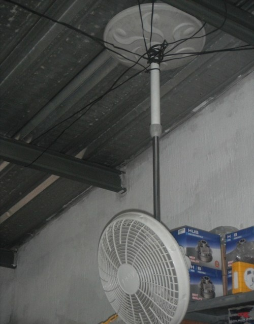 Вентилятор на потолке