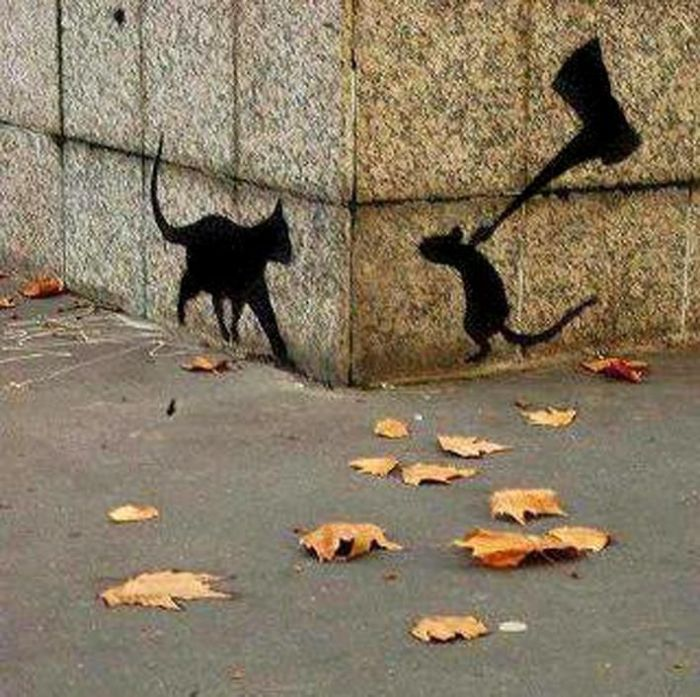 Мышка ждет кошку