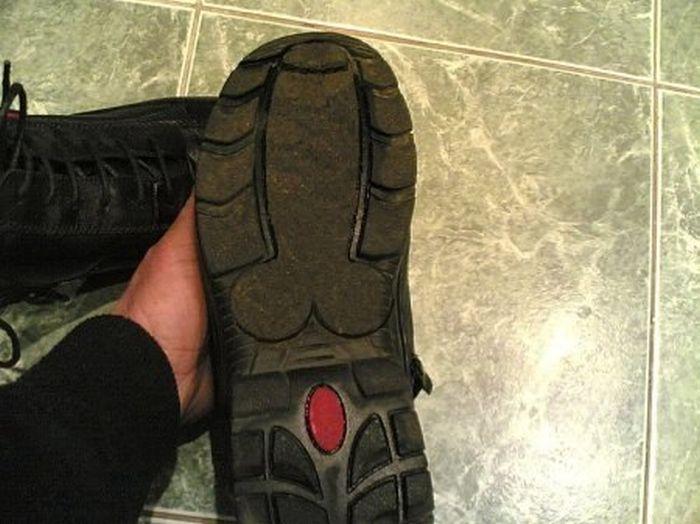 Подошва на ботинке