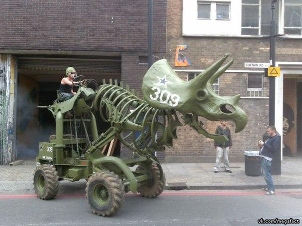 Автомобиль-динозавр