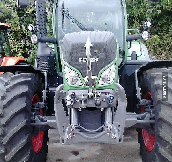 Зловещий трактор