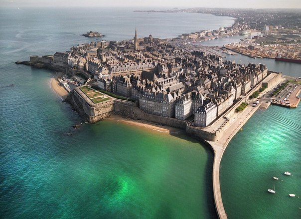 Сен-Мало - город и порт Франции